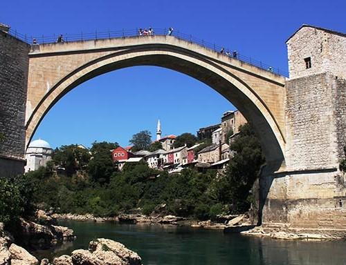 Mostar, köprü değil bir sembol