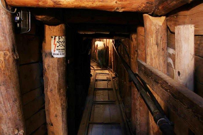 Boşnakların güç bela bitirip savaşı lehlerine çevirdikleri tünelin içi