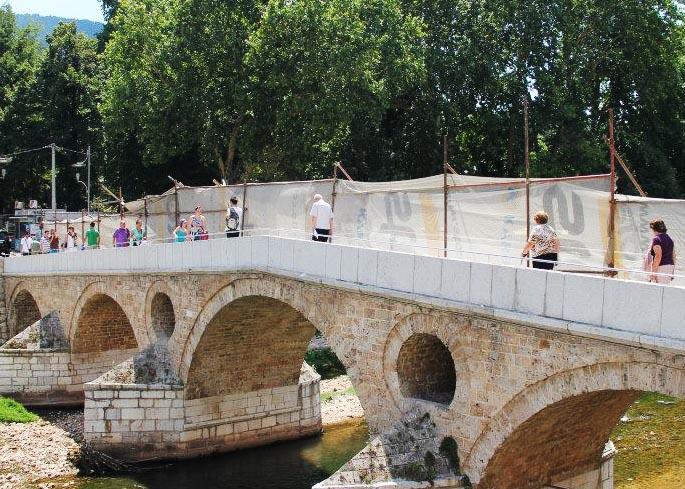 Birinci Dünya Savaşı'nın başlamasında pay sahibi olan Latin Köprüsü